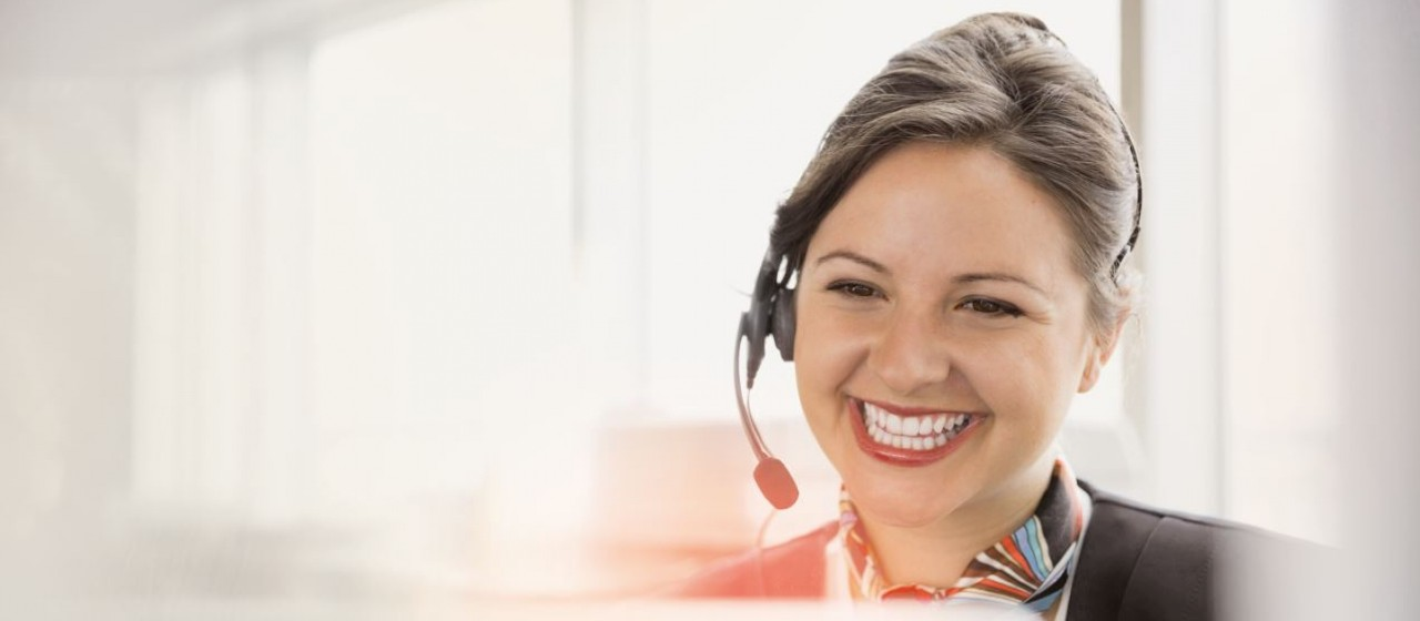 Mitarbeiter Direkt-Service am Telefon